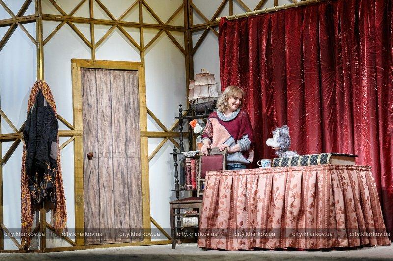Харьковские дети бесплатно посетили театр кукол (ФОТО)