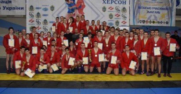 Харьковские самбисты завоевали 13 золотых медалей на чемпионате Украины