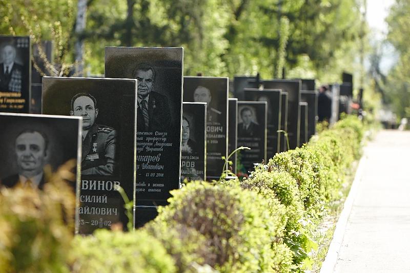 На землях за Пятихатками может открыться городское кладбище