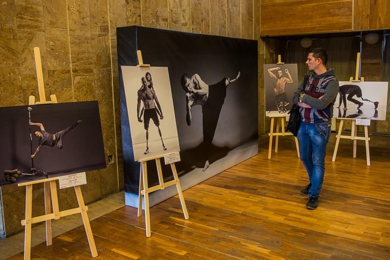 В Харькове открылась выставка необычных фотографий героев АТО