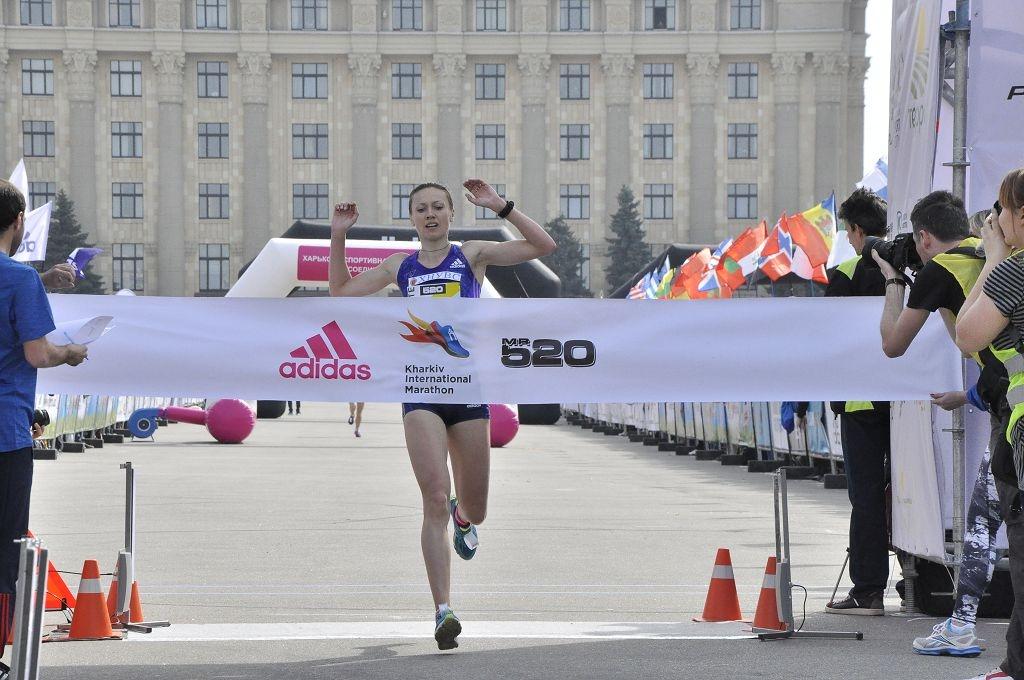 На Харьковском марафоне в забеге на 10 километров победила харьковчанка