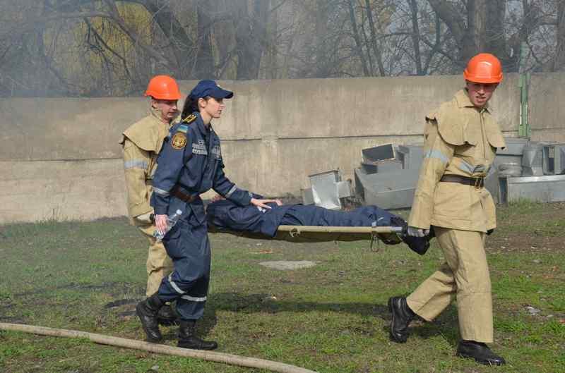 Будущие спасатели отрабатывали действия при чрезвычайных ситуациях