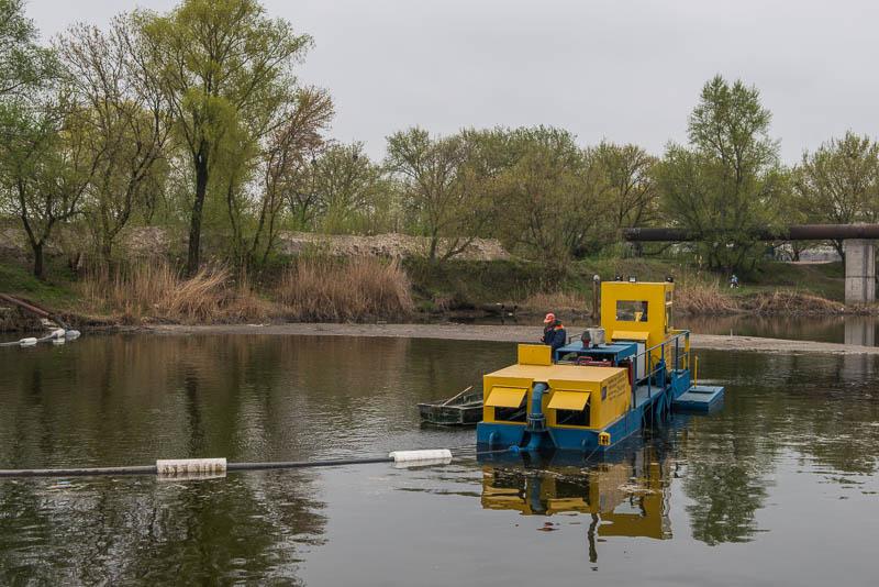 Харьковские реки очищает новое современное оборудование
