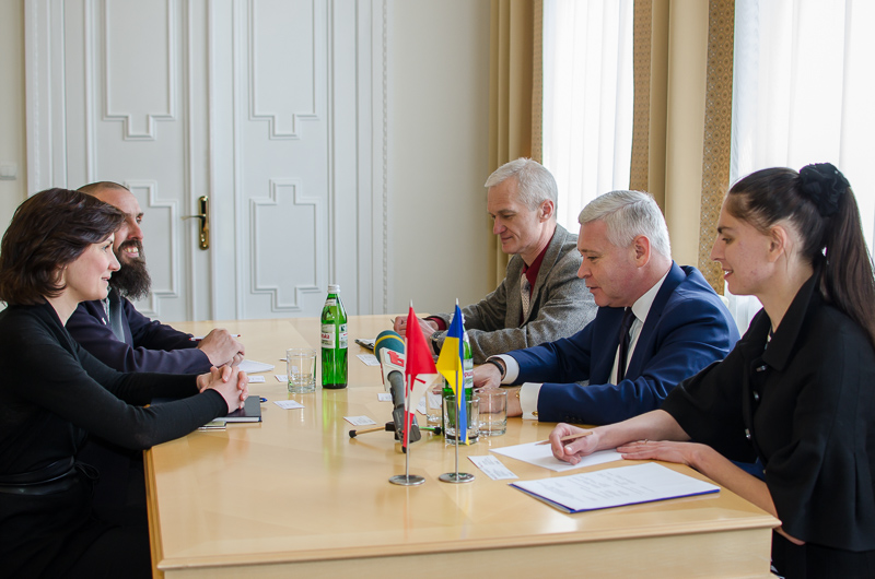 Игорь Терехов провел в стречу с политическим советником Посольства Канады