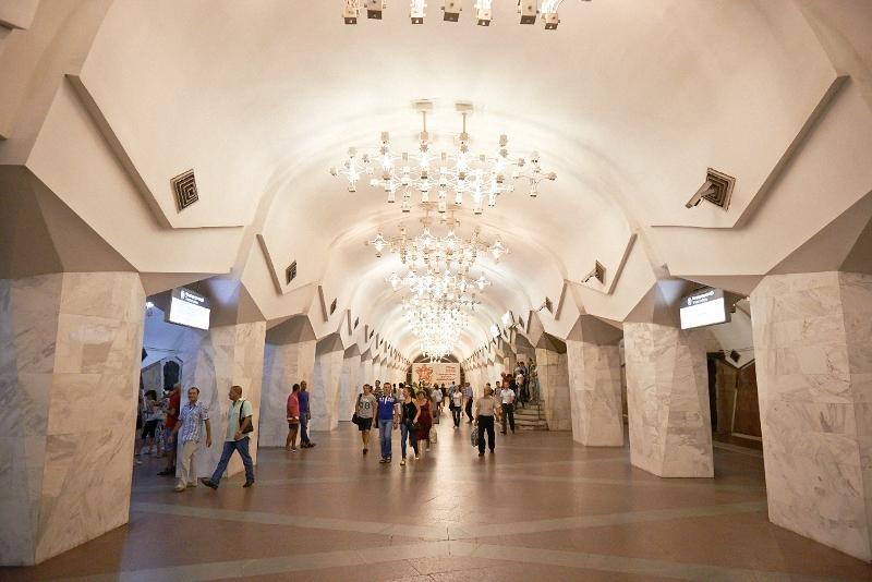 На Пасху метро в Харькове будет работать всю ночь