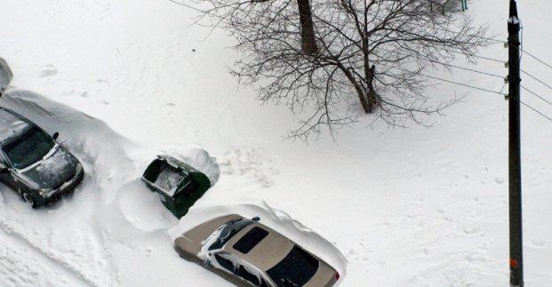Харьковчан просят не парковать машины на улицах