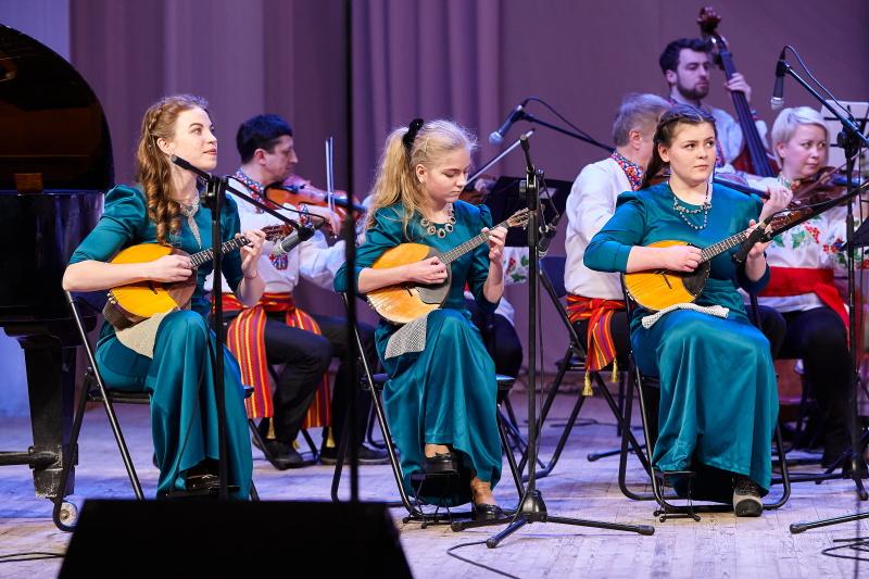У Харкові юні музиканти виступили на одній сцені з оркестром