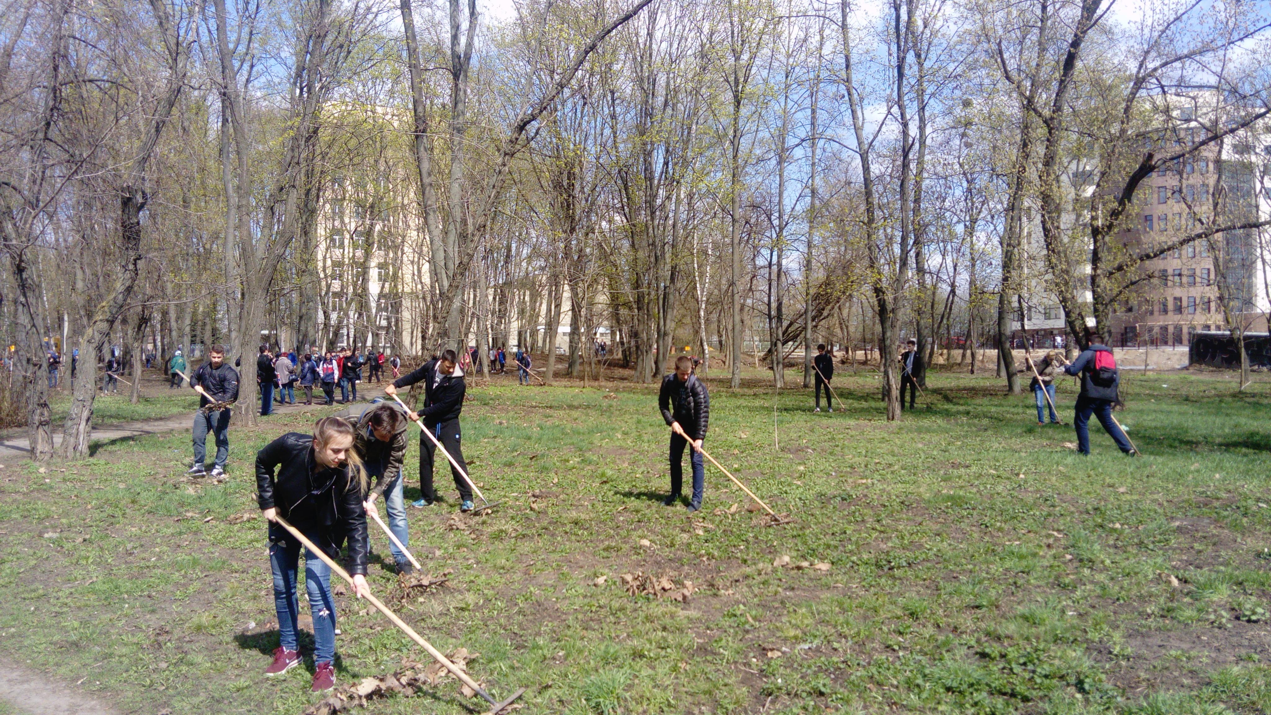 У Київському районі привели до ладу парки, сквери та вулиці