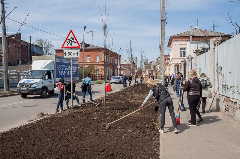 У Холодногірському районі пройшло весняне прибирання території