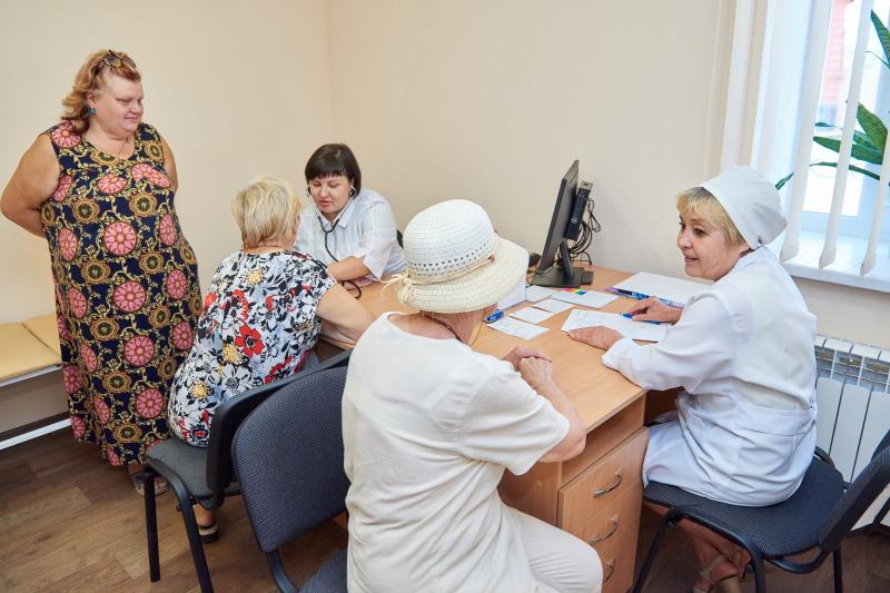 На Новоселівці та в П'ятихатках відкрили амбулаторії
