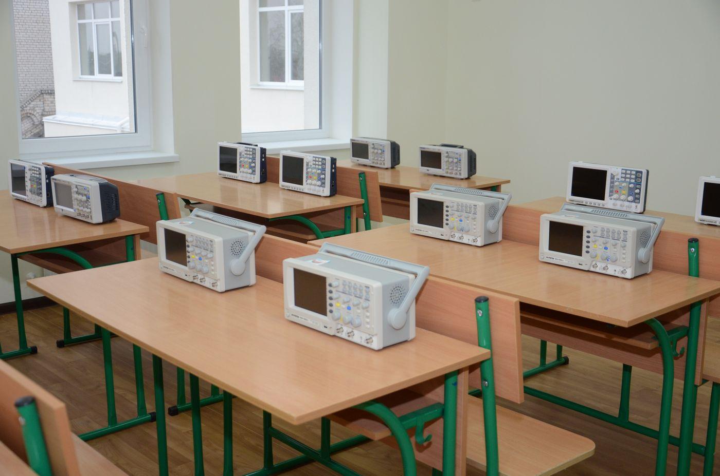 У харківських школах обладнали 21 сучасний кабінет