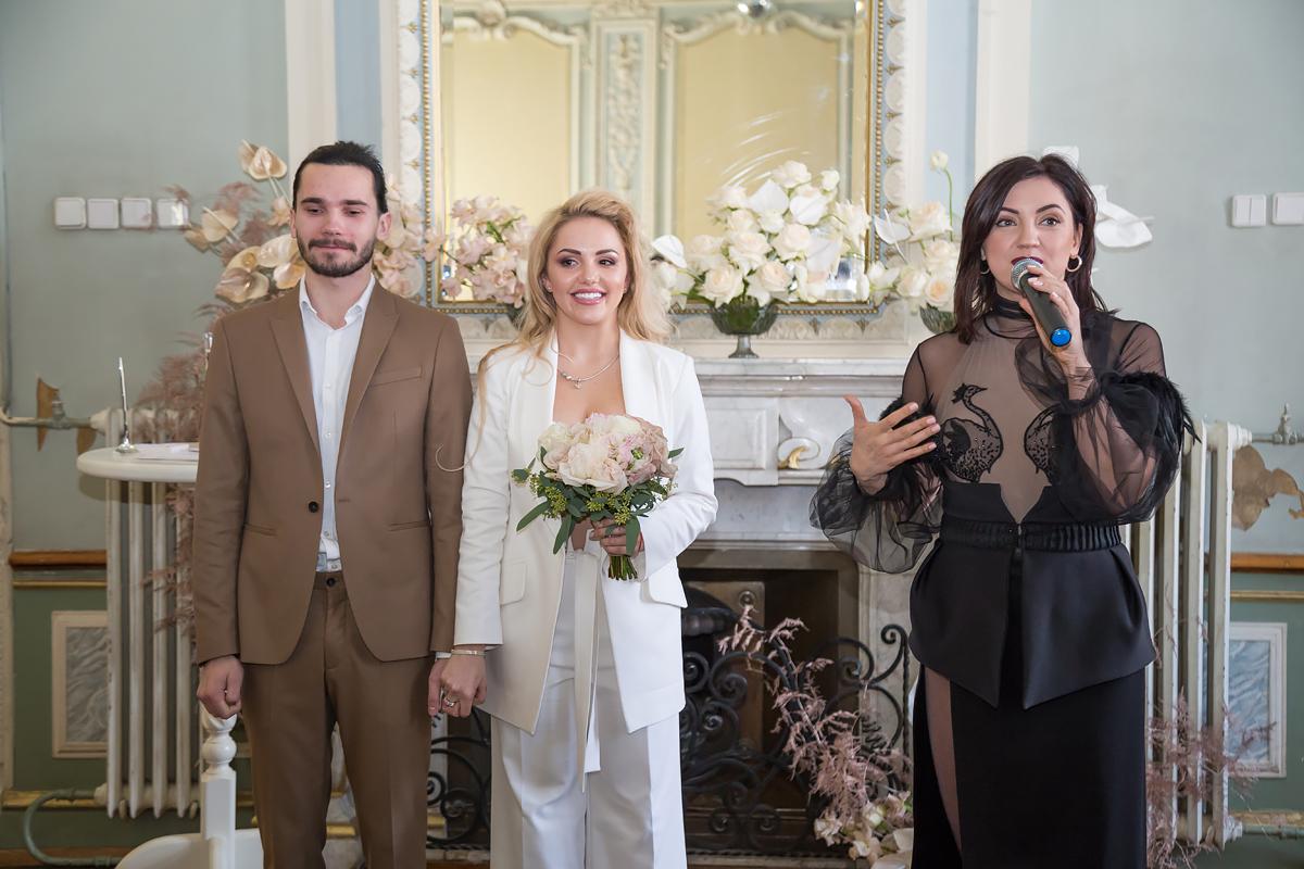 Камінний зал особняка Бекетова і сюрпризи для молодят: у Харкові проходить Марафон закоханих