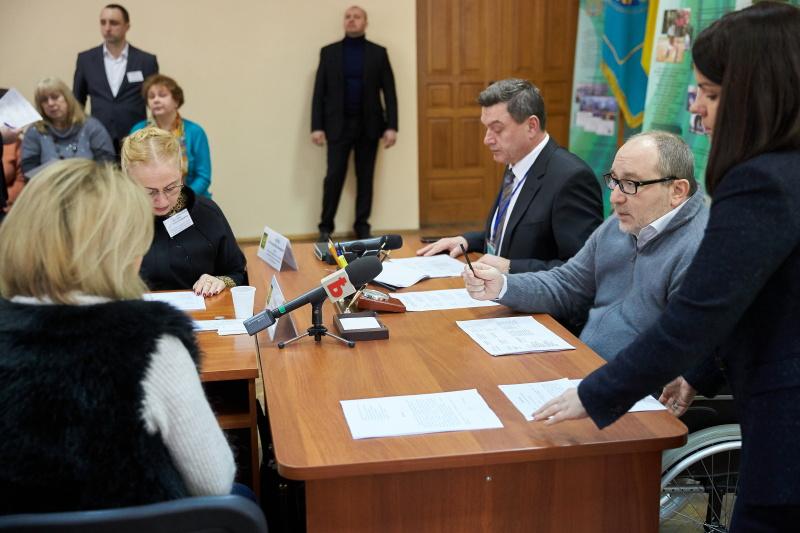 Геннадій Кернес провів особистий прийом у сільгоспуніверситеті імені Василенка