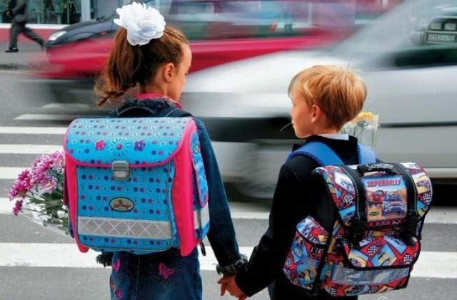 Біля всіх харківських шкіл убезпечать рух