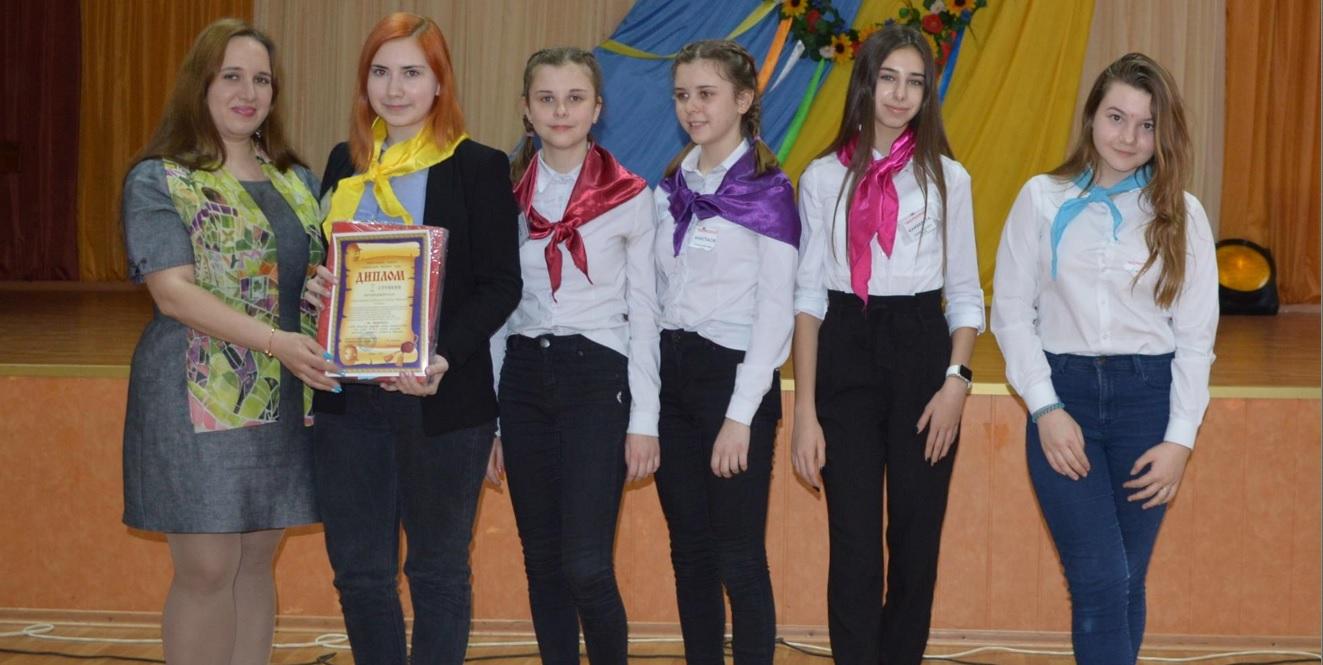 Харківські школярі змагалися в турнірах з історії та журналістики