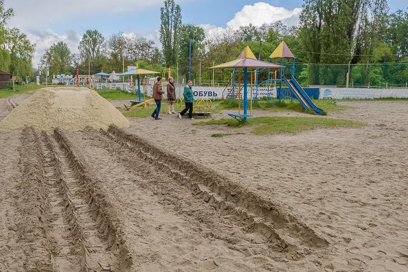 У Харкові готують до відкриття місця масового відпочинку біля води