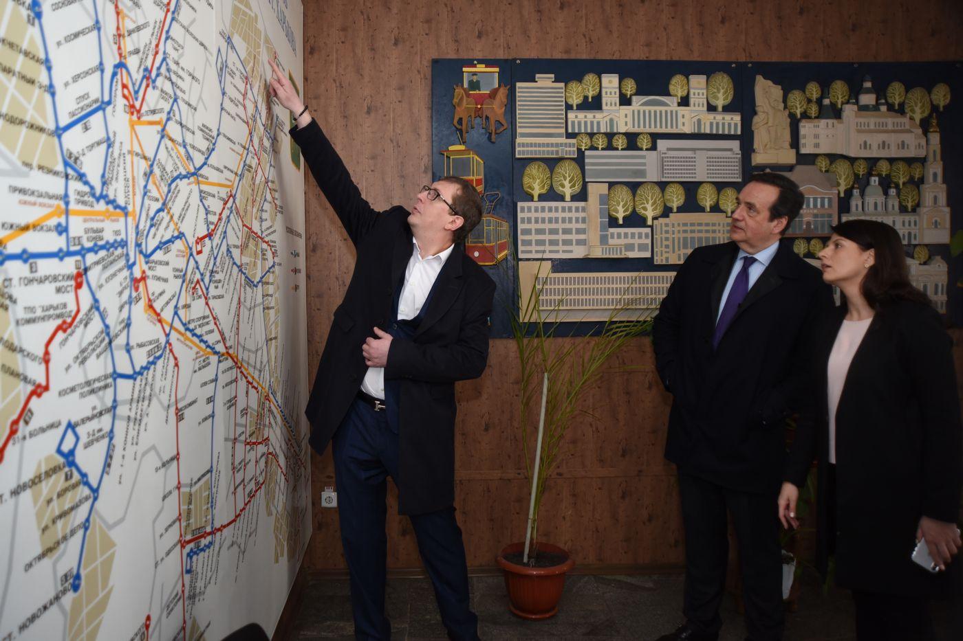 Глава ЄІБ ознайомився з системою безпеки дорожнього руху в Харкові