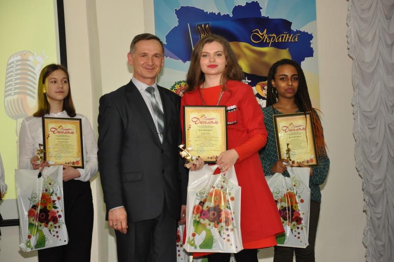 У Київському районі пройшов конкурс творчості «Юні дарування»
