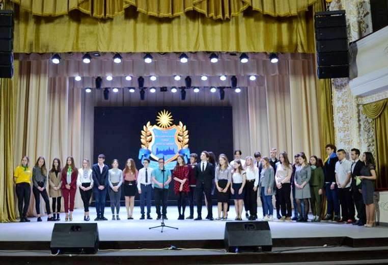 Харківські школярі перемогли на Всеукраїнському турнірі юних істориків