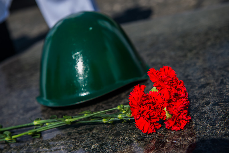 Звернення Геннадія Кернеса до Дня пам'яті та примирення і Дня Перемоги