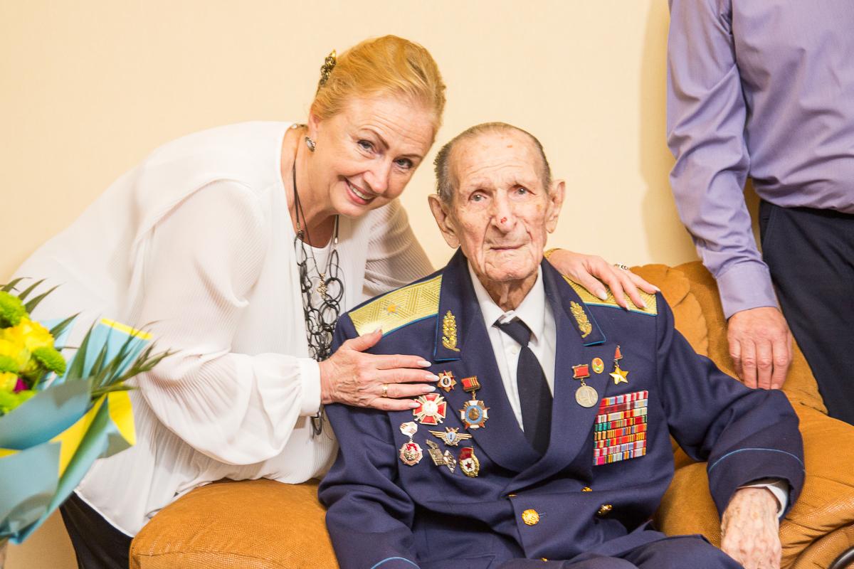 Героїв війни Михайла Карпєєва та Олексія Прокоф'єва привітали з Днем Перемоги
