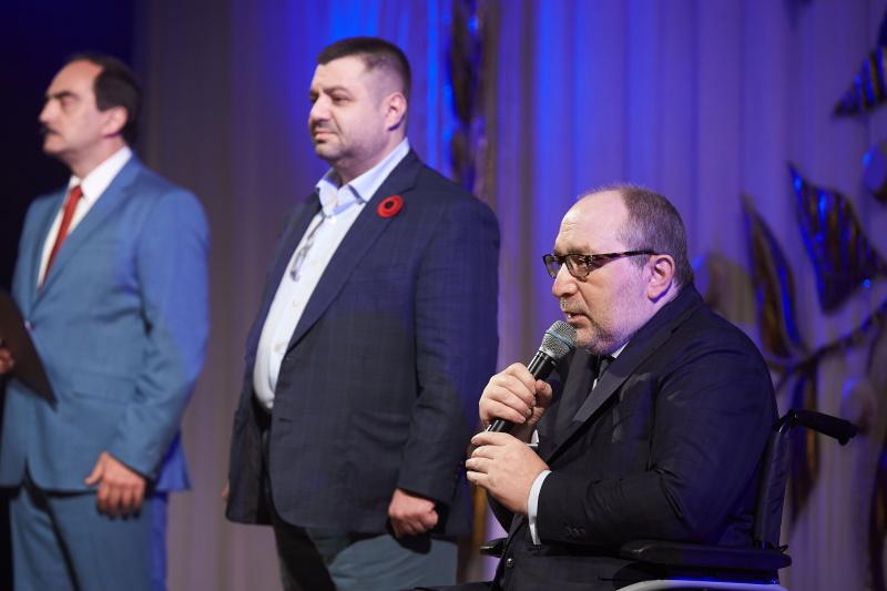 Геннадій Кернес: Харків сумує за жертвами війни і пишається її переможцями
