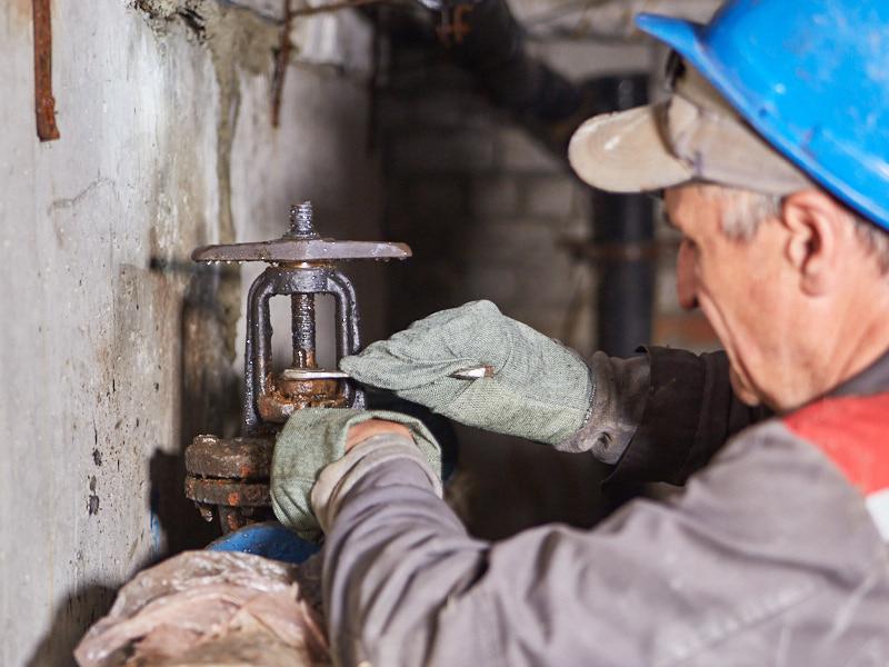 «Харківводоканал» готує внутрішньобудинкові мережі до опалювального сезону