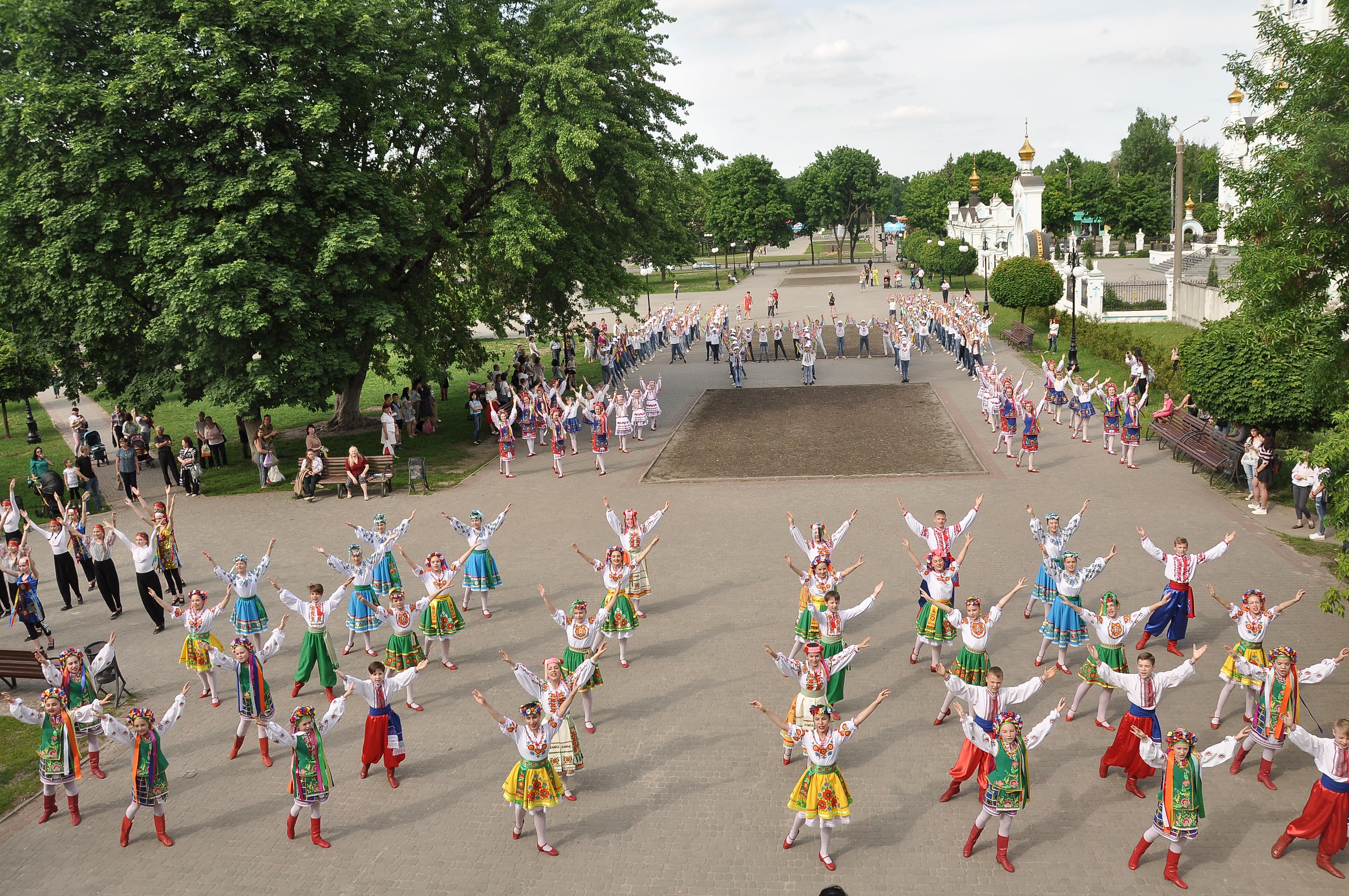 В Індустріальному районі відзначили День вишиванки