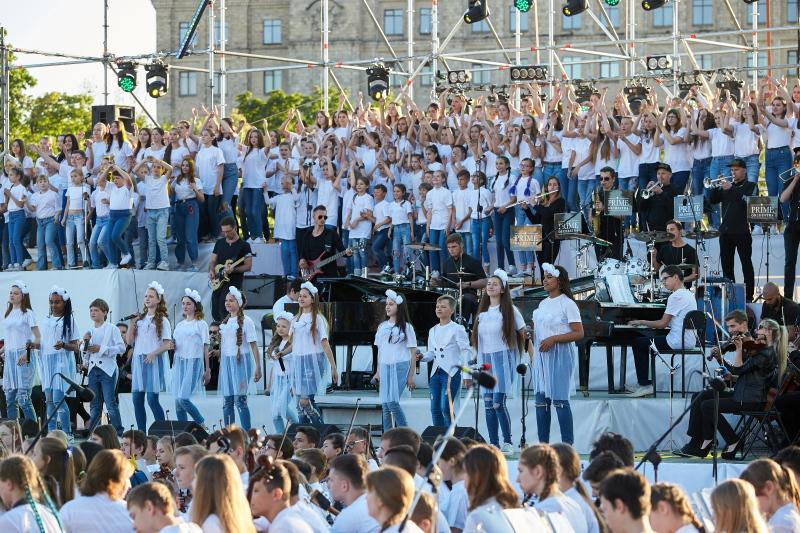 У День захисту дітей на площі Свободи виступатимуть діти з різних міст України