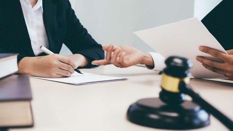 У центрах адмінпослуг надають безкоштовну правову допомогу